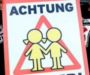 """Achtung Kinder""-Plakate"