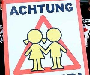 ffn  Achtung Kinder-Plakate